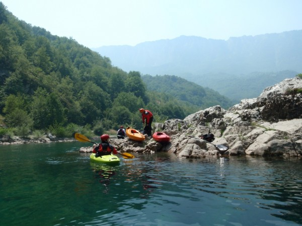 Muntenegru-vazut-din-caiac