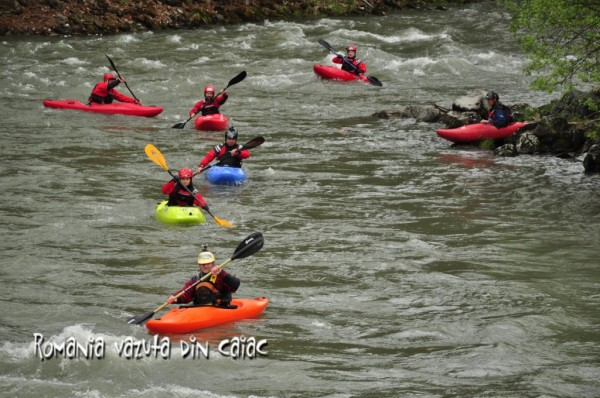 caiace whitewater