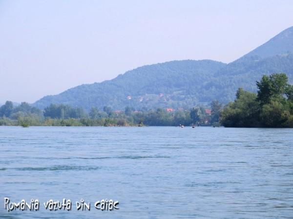 cu-caiacele-prin-Bosnia-Serbia-Drina-600