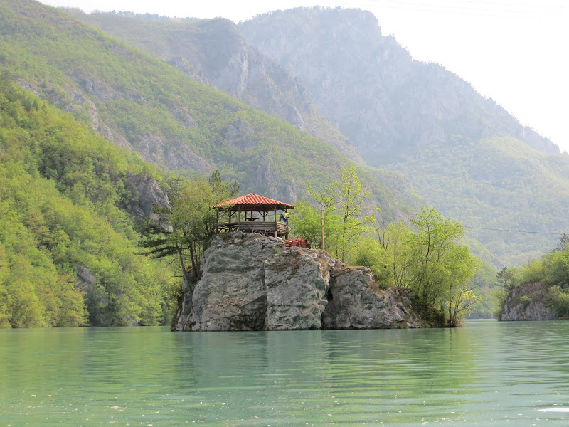 raul-Drina-Bosnia-vazut-din-caiac.jpg