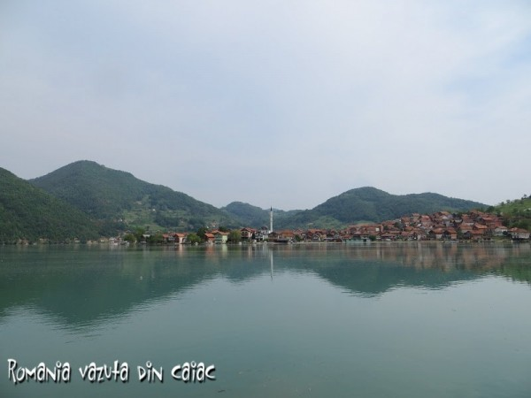 regata-caiace-Drina-Serbia-600x450.jpg