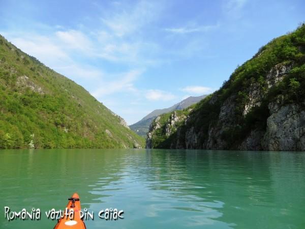 regata-caiace-Serbia-Bosnia-600x450.jpg