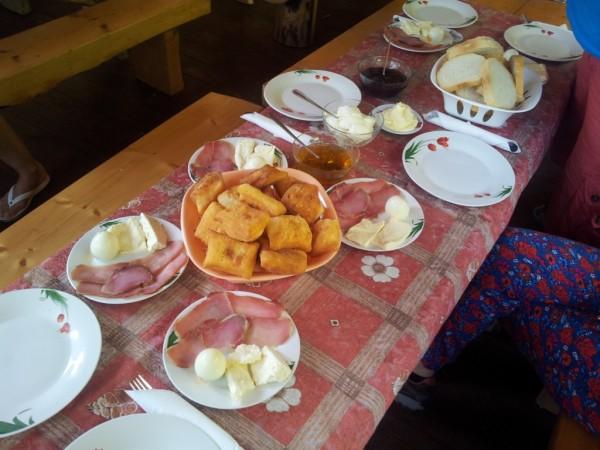 Mic dejun Eko Oaza Camp