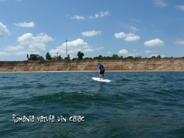 Stand up paddling in 2 Mai